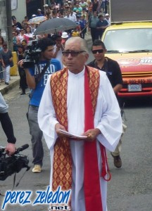 Padre Alexis Madrigal.