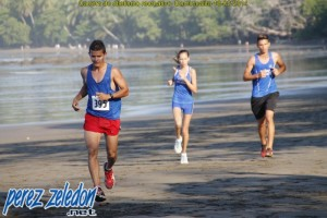 Carrera de atletismo recreativo  Dominicalito 2014